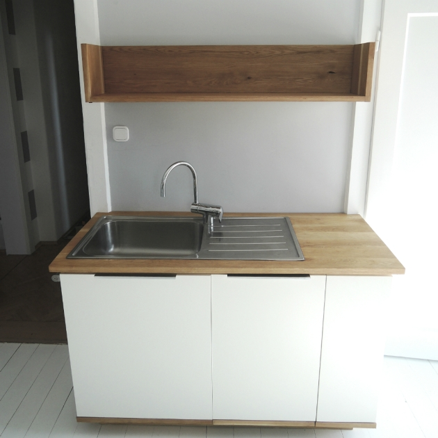 shelf 20
